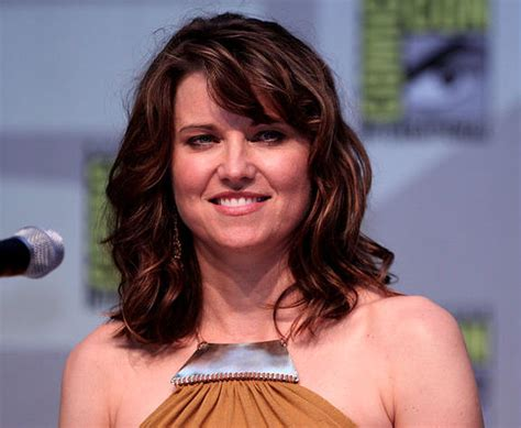 lucy lawless on kevin smith s death xena warrior princess reboot will make lead character