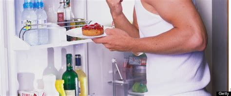 is it bad to eat right before bed the 12 diet and exercise secrets male models swear by