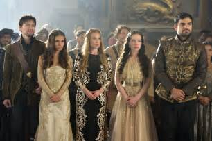 Caitlin stasey celina sinden anna popplewell and sean teale in reign