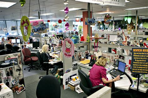 hot office business centres the 20 best workplaces in retail fortune