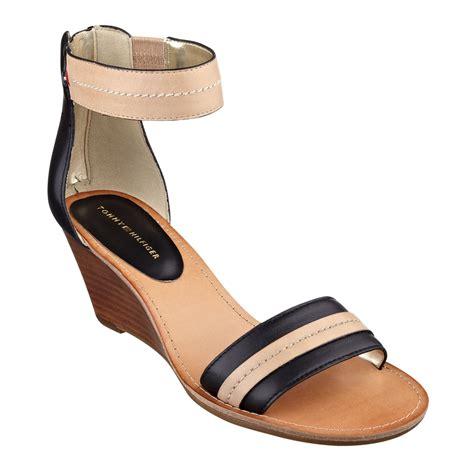 hilfiger wedge sandals hilfiger womens yara akle wedge sandals in