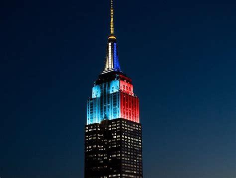 empire state color el empire state de nueva york se ilumin 243 con los colores