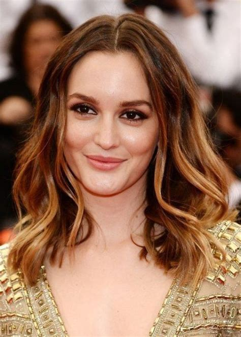 Hairstyles For Big Forehead by Hairstyles To Make Your Forehead Look Smaller She Said