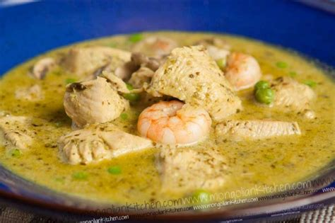 thai green curry with king prawns recipe dishmaps