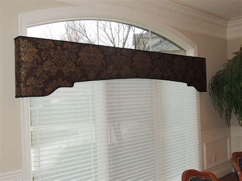 Shaped Cornice Cornice Portfolio St Louis Mo Brewer Quilt Design