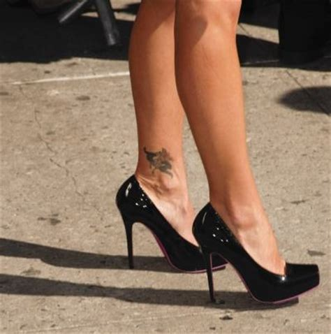 rihanna ankle tattoo flames onthesideofmyface ankle tattoos designs photos