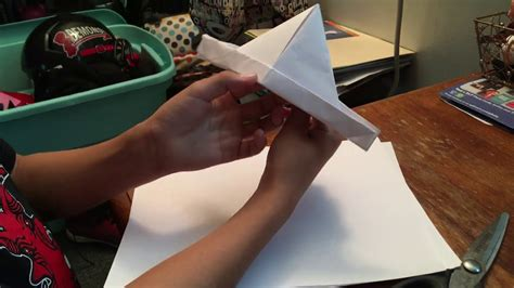 how to make a paper boat it movie how to make the ss georgie boat from it youtube