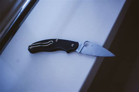 spyderco uk penknife spyderco uk penknife ukpk slipjoint edc knife review
