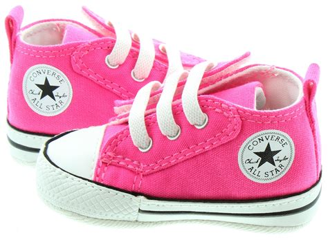 converse chuck crib shoes in pink in pink