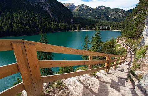 lago di braies appartamenti giro lago di braies escursione classica valle di braies