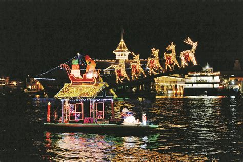dana point christmas boat parade 2017 get in the holiday spirit and get out on the water the log