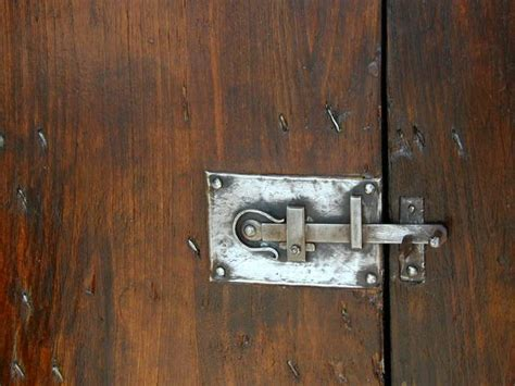 porte antiche porte antiche in legno che materiale utilizzare per