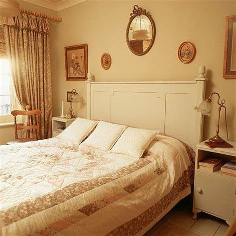 victorian bedroom decorating 185 best images about orange coral yellow bedroom on
