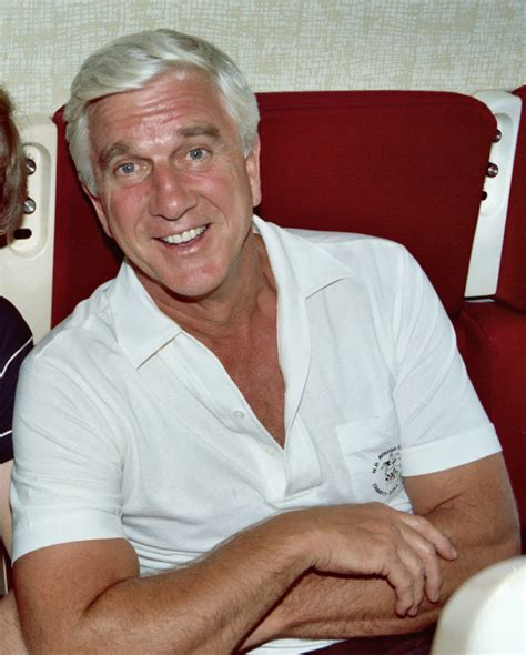 famous old actors comedy actor leslie nielson leslie nielsen wikiwand