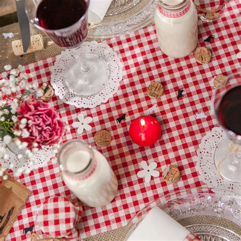 Charmant Chemin De Table En Tissu #3: Chemin-de-table-vichy-en-tissu-blancrouge-.jpg