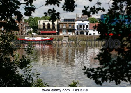 thames river arms blue anchor pub lower mall hammersmith london borough