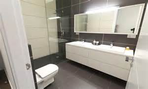 Wall Tile Bathroom Ideas Bathroom Tile And Flooring Ideas Rfc Cambridge Clever