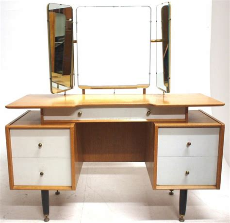 vintage  plan  gomme dressing table retro bedroom