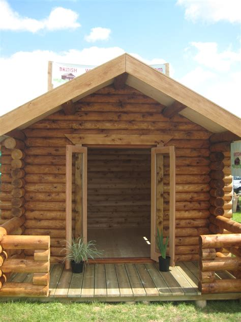 shows and small cabins log cabins
