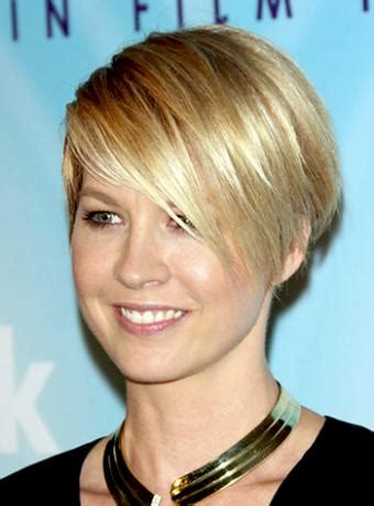 wedge cut for thin hair wedge hairstyles beautiful hairstyles