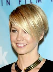 wedge haircuts for thick hair wedge hairstyles beautiful hairstyles