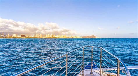 catamaran booze cruise hawaii waikiki sunset firework dinner sail things to do in hawaii