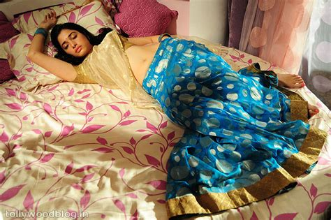 hot bedroom pic sexy actress tamannah hot bedroom scene