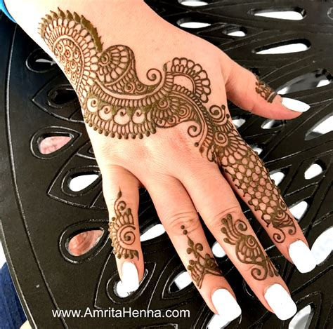 Top 10 Must Try Henna Designs For Your Sister S Wedding | top 10 stunning henna designs for a bachelorette party