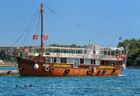 boat tour umag boat trips kristina excursion rovinj poreč brijuni