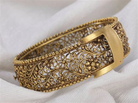 Antique Gold Bangle   Jewellery Designs