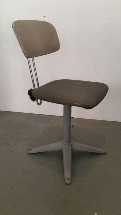 chaise de bureau originale designer inconnu chaise de bureau originale