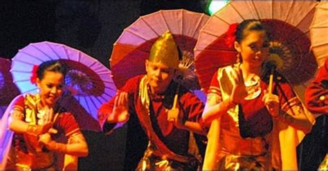 Payung Tari Brukat Hias Tradisional tari payung tari kasih sayang minangkabau sumatera