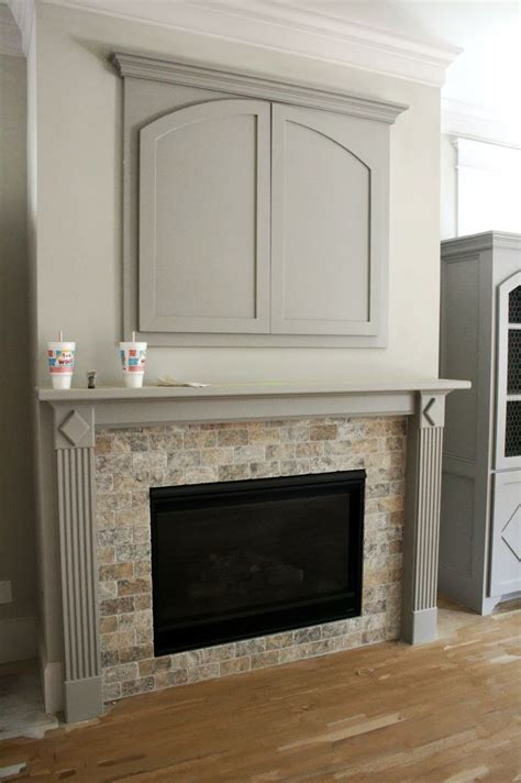 Pop Up Tv That Hides In The Fireplace by Best 25 Tv Cabinet Ideas On Tv
