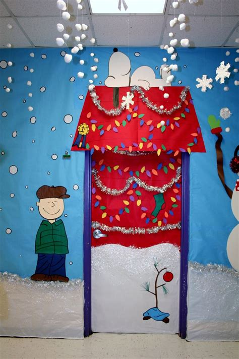 xmas door decorating ideas fouke kindergarten charlie brown classroom door