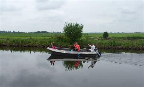friesland bootje varen varen in friesland huur een boot en ontdek sneek