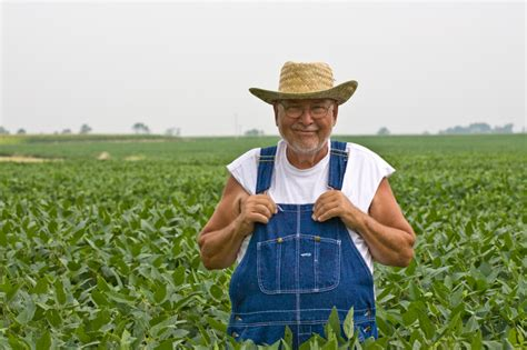 farmer s new bill would allow farmers to sue monsanto if gmo crops