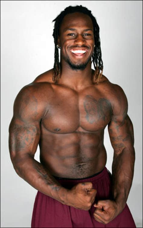 220 Bench Press Top 50 Most Jacked Nfl Players Page 5 Of 5 Muscle Prodigy