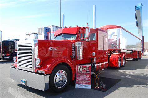 scow dump truck peterbilt dump truck custom show trucks truk strength