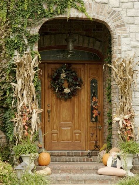 Get Into The Seasonal Spirit 15 Fall Front Door D 233 Cor Ideas Front Door Decorations For Fall