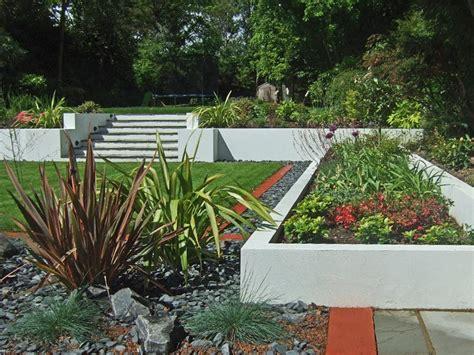 white rendered planters  steps  upper leve