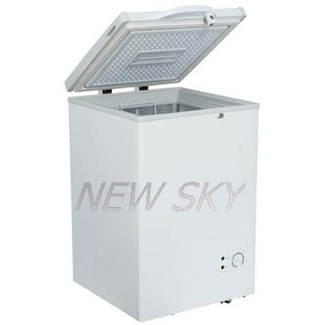 Freezer Box Low Watt china br90c4 dc compressor low power consumption chest solar freezer china solar freezer