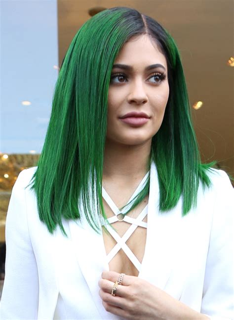 how to do kylies hair kylie jenner s hair colors see every shade she has worn