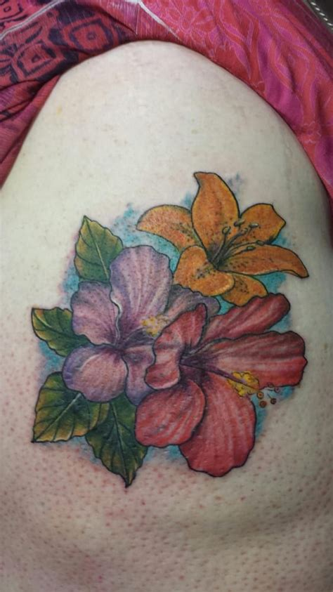 maui tattoo company this is my by 2 hibiscus flowers and a