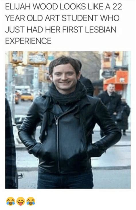 elijah wood looks like elijah wood looks like a 22 year old art student who just