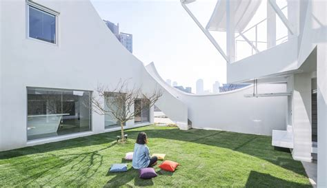 the flying house this looks like the world s funnest house in south korea flying house by iroje khm