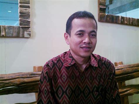 Sarung Batik Prima Nusantara Manvis Batik adiwastra nusantara 2012 mengangkat kearifan lokal kain