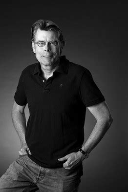 """Stephen King's Newest Book """"Under the Dome"""": The $200"""