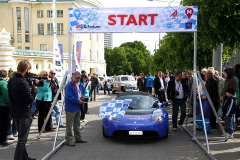 electric cars set out on the 2012 marathon from tallinn to