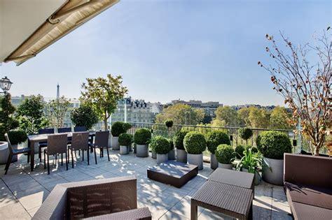 terrasse toit paris restaurant les 9 plus belles terrasses d appartements parisiens