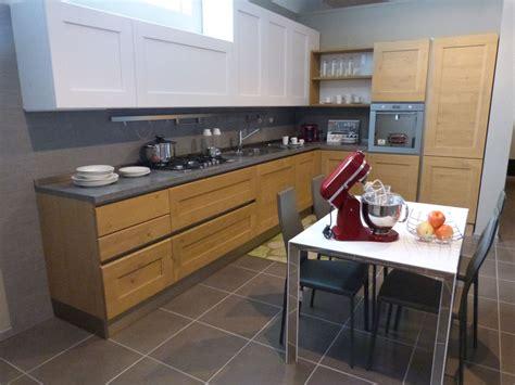 cucina in rovere offerta cucina dialogo di veneta cucina in legno massello